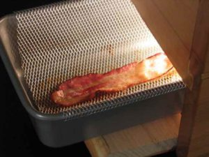 Wake-n'-Bacon-alarm-clock-bacon-cooked--300x225